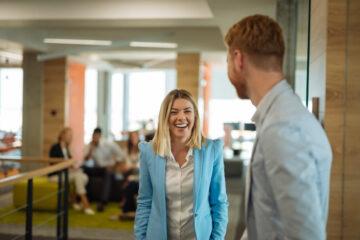 imagen de actitud positiva en el trabajo